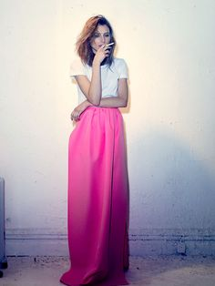 pink ball skirt + white tee= done right