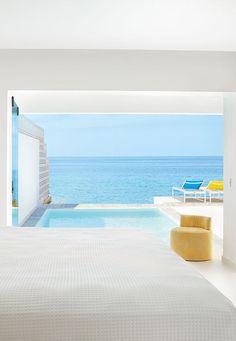 Das #Grecotel White Palace auf #Rhodos ist ein #Luxushotel, wie es im Buche steht. Wie wäre es, wenn ihr morgens von der Sonne wachgekitzelt werdet, eure Terrassentür öffnet und in den #Pool springt? Grecotel LUX.ME White Palace***** #Griechenland #Kreta #Rethymnon #TUI #PrivatePool #DiscoverYourSmile Private Pool, Beautiful Hotels, Rhodes, Sun