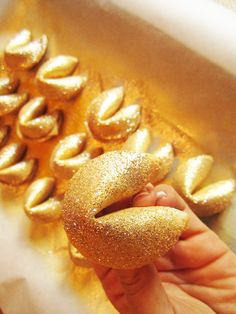 3 easy steps to dressing up your fortune cookies! Great for fall, NYE or Chinese New Year!