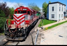 RailPictures.Net Photo: WSOR 4005 Wisconsin & Southern EMD SD40-2 at Waukesha, Wisconsin by Erik Shicotte