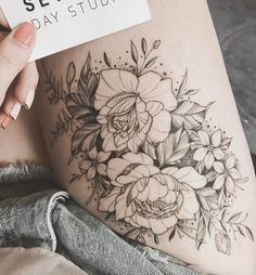 Delicate floral thigh piece by Tritoan Ly