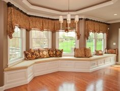 KH Window Fashions, Inc.Custom window treatments and decorative accessories by KH Window Fashions, Inc. I love the window seat! Traditional Window Treatments, Bay Window Treatments, Traditional Windows, Traditional House, Traditional Design, Home Decoracion, Custom Curtains, Window Styles, Home Decor Online