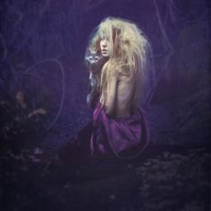 Mademoiselle Shaden Magic: http://alicewonderland2.blogspot.co.uk/2013/05/inspiration-friday-is-brooke-shaden.html