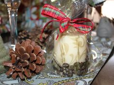 Coffee Bean Candles: These are great to give to family and friends over the holidays! Just store-bought candles, coffee beans, and glue. They smell really good even when they're not lit. Christmas Crafts For Gifts, Christmas Candles, Craft Gifts, Christmas Decorations, Diy Gifts, Merry Christmas, Coffee Bean Candle, Coffee Beans, Craft Activities For Kids