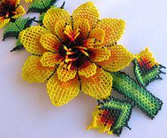Mexican Huichol 3 Beaded Yellow and dark Red Flowers por Aramara