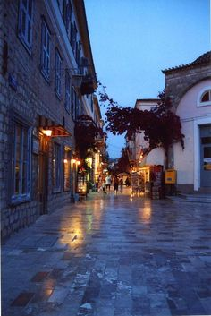 Traditional architecture towns in Greece Nafplio Places Around The World, Oh The Places You'll Go, Places To Visit, Around The Worlds, Dream Vacations, Vacation Spots, Wonderful Places, Beautiful Places, Santorini