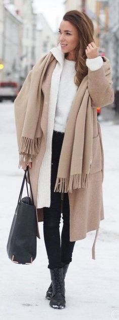 ♔ White Oversize Hooded Cardi