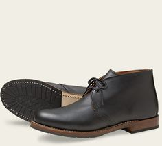 Part of the Beckman collection, the 9024 is a chukka style shoe made from our exclusive Black Featherstone dress leather. Lightweight, durable and classic in look, a bit of polish keeps them looking sharp.