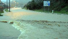 Сильные ливни в Италии снова приводят в жертвам - Непрекращающиеся ливни в северной и центральной частях Италии привели к большому числу оползней и выходу из берегов некоторых рек в Тоскане, Эмилии-Романье и Лигурии. В провинции города Лукка (регион Тоскана) око�