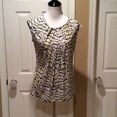 Worthington Top Multi color top with gathering at the chest, see pics Worthington Tops