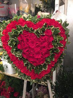 Funeral Floral Arrangements, Tropical Floral Arrangements, Unique Flower Arrangements, Funeral Spray Flowers, Wreaths For Funerals, Casket Flowers, Contemporary Flower Arrangements, Cemetery Decorations, Memorial Flowers