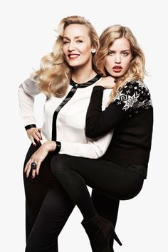 I loved this H&M Christmas 2011 campaign with Georgia May and Jerry Hall. I bought this white blouse and sometimes I still wear it in 2015! www.ionimage.nl