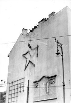 Csillag levétele a Kálvin téren #revolution #1956 #hungary #houseofterror #communism #square #redstar