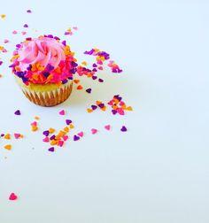 Heart cupcakes @ cupcakesandconfetti.com Instagram & Facebook @cupcakesandconfetti1