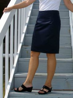 So Sew Easy - draw your own pencil skirt sloper pattern and make a pencil skirt - it's so easy!