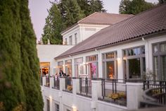 Broadmoor Golf Club at dusk for the reception | Seattle, WA | Clane Gessel Photography