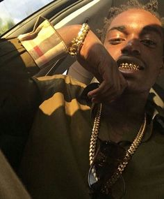 Kodak Black Wallpaper, Lil Kodak, Bae, Eye Candy Men, Gold Tattoo, Handsome Black Men, Grillz, Baby Daddy, Celebs