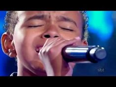 12 Year Old Jotta singing God's praises on Brazil's Got Talent. Unreal voice. Thank you God, for putting such a gift in this young child.