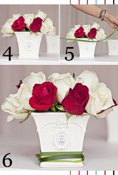 The Perfect Rose Centerpiece | via Serial Indulgence