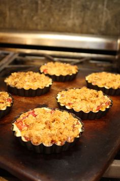 and raspberry crisp recipes dishmaps bourbon peach and raspberry crisp ...