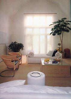 Guest room? By John Saladino