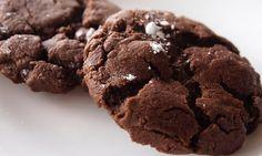Μαλακά, σοκολατένια, γλυκά μπισκότα, ιδανικά για το πρωινό γεύμα του παιδιού με το γάλα!
