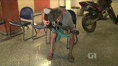 G.H.: Ex-baterista que mora na rua é levado para hospita...