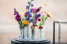 The great tiny vases are available in more colours. Complete them with a bunch off flowers and it's spring in a vase!