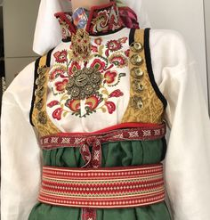 Fra utstillingen til Stakkeloftet i Oslo Folk Costume, Costumes, Doll Patterns, Traditional Outfits, Norway, Apron, Amy, Boho, Womens Fashion