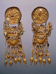 Earrings    330-300 BC    Barrow No. 1, Theodosia   Ancient Greece
