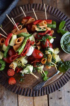 Pasta Salat Spiesse - Pasta Salad Skewers | Das Knusperstübchen