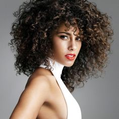 As we recover from #Blizzard2016, #ONYCHair wants to give a Birthday shout-out to this Beauty @aliciakeys ! Mimic her fun and low-maintenance look with #ONYC Bouncy Curly 3A #hair.  Shop US Now >>> ONYCHair.com Shop UK Now >>> ONYCHair.uk Shop NG Now>>> ONYCHair.ng