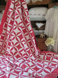 PA Mennonite Red & Cheddar Rob Peter to Pay Paul Stars Antique Quilt! Old Quilts, Antique Quilts, Easy Quilts, Vintage Textiles, Vintage Quilts, Cathedral Window Quilts, Two Color Quilts, Red And White Quilts, Quilts For Sale