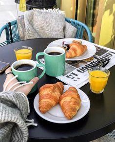 www.wheninit.com Morning Breakfast, Breakfast Ideas, Italian Coffee, Dessert Recipes, Desserts, Coffee Cups, French Toast, Bakery, Mood