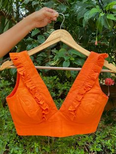 Blouse Designs High Neck, Sari Blouse Designs, Fancy Blouse Designs, Blouse Patterns, Stylish Blouse Design, Saree Blouse, Silk Blouses, Sarees, Model