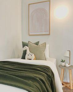 OTAHUHU | Hu Hu loves this sweet kids bedroom we created this week?! . . . . . #thepropertystylist #propertystyling #propertystylist #professionalstylist #homestaging #styledtosell #stagedtosell #kidsbedroom #singlebedroom #singlebed #rainbowprint #green #bedroomdecor #bedroom #bedroomideas #bedroominspo #otahuhu Bedroom Inspo, Bedroom Decor, Single Bedroom, Rainbow Print, Home Staging, Kids Bedroom, Sweet, Furniture, Things To Sell
