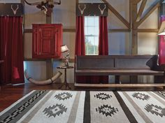 Love the modern rug interpretation.