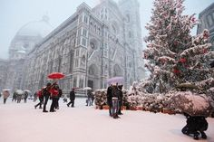 Christmas in Florence, Italy Christmas In Italy, Italian Christmas, Winter Snow, Great View, Holidays And Events, Winter Wonderland, Places To See, Cute Pictures, Beautiful Places