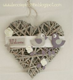 Shots Ideas, Wicker Hearts, Velvet Heart, Newspaper Crafts, Heart Wreath, Heart Crafts, Wreath Forms, Love Craft, Home And Deco