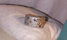 Ross Simons 14k Yellow Gold/Brushed sterling silver Flower cutout Gemstone Ring