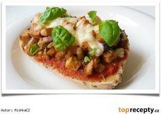 Vypečený šmakoun Mishka, Mozzarella, Tofu, Vegetable Pizza, Baked Potato, Potatoes, Baking, Vegetables, Ethnic Recipes