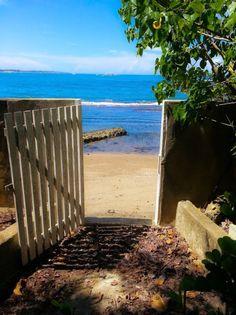 Barceloneta Beach House, sleeps 6, an hour away from San Juan