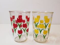 2 Vintage 1940s 1950s Swanky Swigs Drinking Juice Glasses Flower Tulip Tumblers