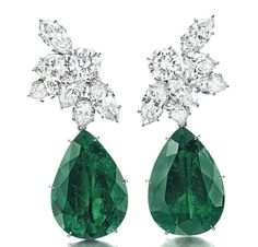 New York Magnificent Jewels and The Princie Diamond Emerald Earrings, Emerald Jewelry, High Jewelry, Diamond Jewelry, Gemstone Earrings, Titanic Jewelry, Royal Jewels, Diamond Are A Girls Best Friend, Designer Earrings