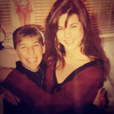 This Throwback Photo of Jennifer Aniston and Mayim Bialik Is the Absolute Best  Mayim Bialik, Jennifer Aniston, Throwback