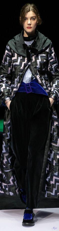 Fall 2021 RTW Emporio Armani Weather Wind, Couture Fashion, Emporio Armani, Fall Winter, Elegant, Collection, Women, Classy, High Class Fashion