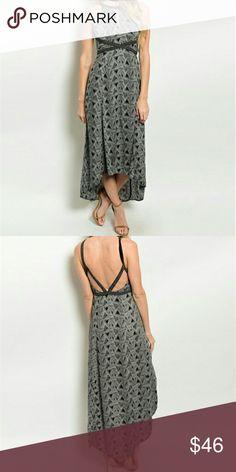 EN CREME - Maxi Dress High-low hem woven maxi dress. Abstract print. Simply gorgeous! 100% Rayon Dresses