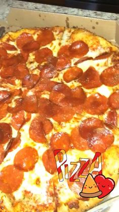 Salmon Pizza, Frozen Pizza, Pizza Rolls, Breakfast Pizza, Egg Cups, Cravings, Food To Make, Bacon, Food And Drink