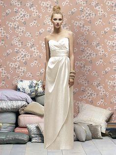 Sweetheart neckline strapless dress. Bridesmaid...