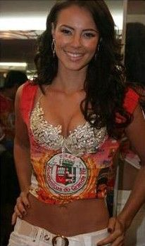 Os melhores modelos de abadás customizados   Looks de Carnaval e Micaretas